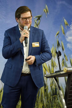 Matthias Hannsbauer, Bühler AG: Oat grains, which are basically gluten free, should be harvested and processed as carefully as possible